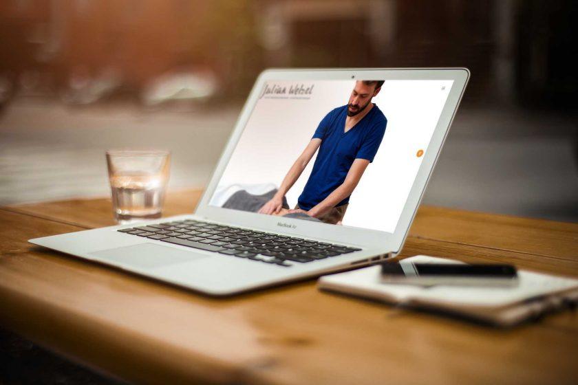 Julian Welzel Bauchmassage - Achtsames Webdesign